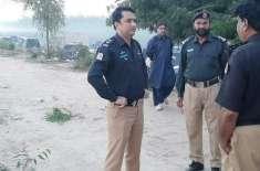 لاڑکانہ پولیس کی خیرپور کےکچےکے علاقے میں ڈاکوؤں کی موجودگی کی اطلاع ..