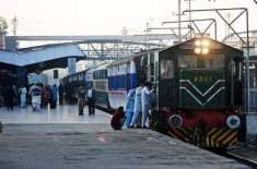 ویکسین نہ لگوانے والے ریلوے مسافروں پر 10 فیصد جرمانے کا فیصلہ