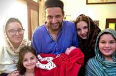 شاہد آفریدی کی پانچویں بیٹی کی پیدائش، افغان آل راونڈر راشد خان نے ..