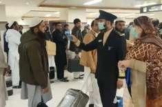 خیبرپختونخوا حکومت نے بیرونِ ملک سے آنے والے تمام مسافروں کے ٹیسٹ نہ ..