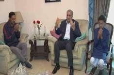 آرمی چیف کی ونگ کمانڈر نعمان اکرم شہید کے گھر آمد