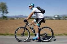 اطالوی سائیکلسٹ نے دوائیں پہنچانے کا مشن شروع کردیا