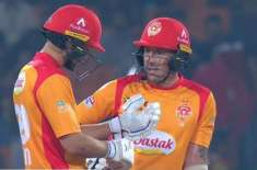 PSL5, Islamabad United easily beat Multan Sultans by 8 wickets