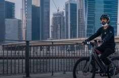 دُبئی کے حکمران شیخ محمد بن راشد سائیکل چلا کر دُبئی واٹر کینال پہنچ ..