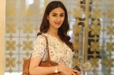 خوبرو اداکارہ رحمت اجمل نے منگنی کرلی، قریبی رشتہ داروں، دوستوں کی ..