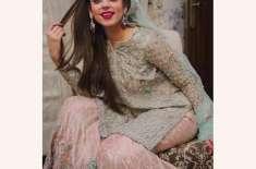 اداکارہ یشمہ گِل نے کورونا وائرس پر ریپ گانا تیار کرلیا