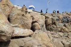 سعودیہ: کورنا وائرس کے خدشے کے پیش نظر میدان عرفات کو بھی بند کر دیا ..