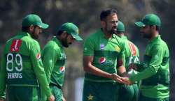 بنگلہ دیش کے خلاف ٹی ٹونٹی سیریز کے لیے تین کھلاڑیوں کو ڈراپ کرنے کا ..