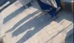 راولپنڈی ٹیسٹ ،سکیورٹی پر مامور پولیس اہلکاروں کے کھانا غریب بچوں ..