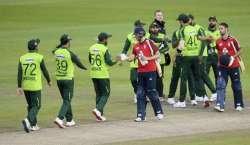 انگلینڈ کی جانب سے  تاریخی دورہ پاکستان کیلیے غیر مقبول کھلاڑیوں کو ..
