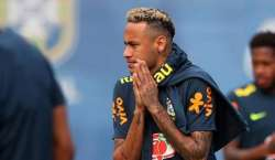 برازیلین حکومت کی سٹار فٹبالر نیمار کیلئے 120ڈالر کورونا ویلفیئر پیمنٹ