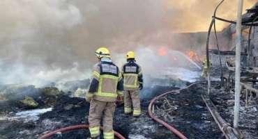 عجمان، متحدہ عرب امارات میں بھڑکنے والی خوفناک آگ نے تباہی مچا دی
