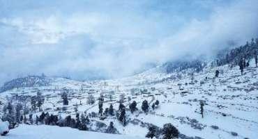 گاہکوچ میں سال کی پہلی برفباری ،متعدد بالائی علاقوں کا زمینی رابطہ ..