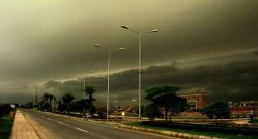 شمال مغربی ہواوں کے ساتھ مون سون کا سسٹم لاہور میں داخل، طغیانی آنے ..