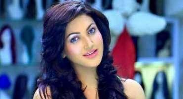 اداکارہ ثنا ء نے گھر میں ہی ایکسر سائز شروع کر دی