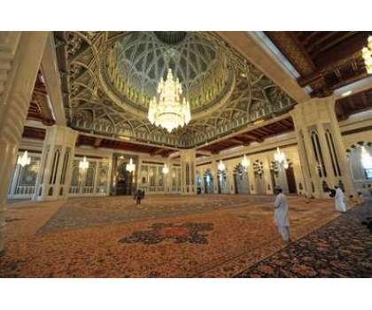 کورونا کا زور ٹوٹنے لگا ، عمان نے مساجد میں نماز جمعہ ادا کرنے کی اجازت دیدی