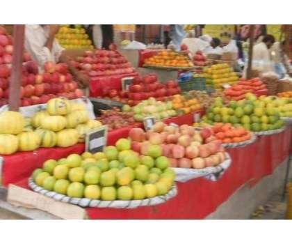 ایڈیشنل اسسٹنٹ کمشنر ریونیو کی زیر نگرانی سبزی و فروٹ منڈی کلگان میں ..