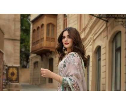 ایمن خان کا بیٹی کے ہمراہ خوبصورت صبح کا آغاز، تصاویر شیئر کردیں