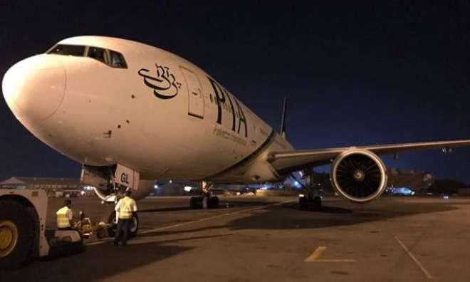 بیرون ملک سے ملتان آنے والی پی آئی اے کی پرواز کو سکھر ائیرپورٹ پر اتارنا ..
