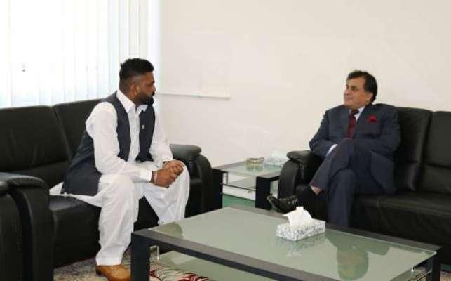 پاکستان سفیر ڈاکٹر محمد فیصل سے ڈریسڈن اور لائپزگ کے سماجی رہنمائوں ..