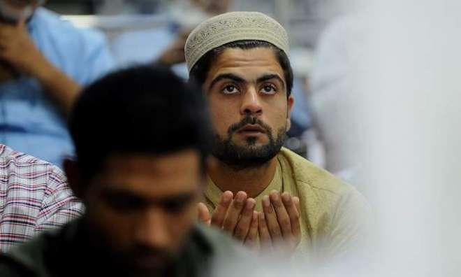 تنہائی اختیار کر کے اللہ سے رجوع کریں، احمد شہزاد