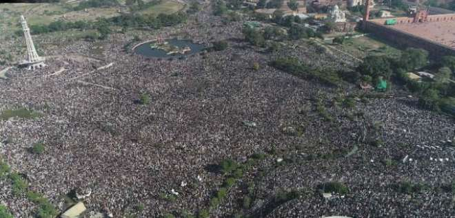 ہزاروں نہیں لاکھوں افراد کا اجتماع، علامہ خادم رضوی کے جنازے کی شرکاء ..