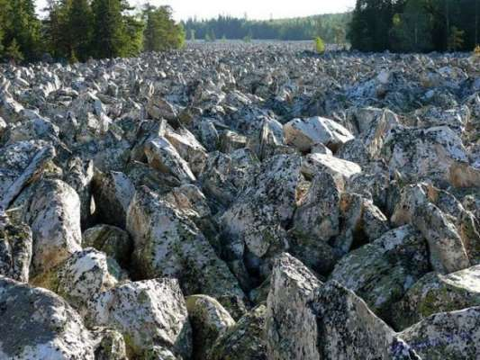 روس میں واقع پتھروں کا حیرت انگیز دریا