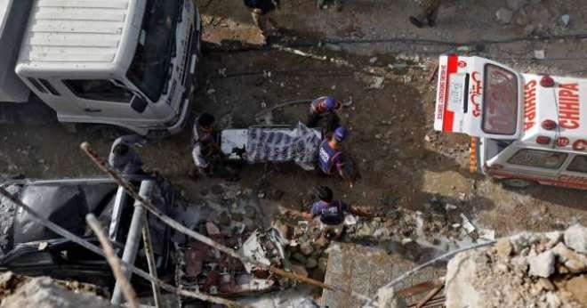 نادرا کی ٹیکنیکل ٹیم طیارہ حادثہ میں جاں بحق مسافروں کی انگوٹھوں کے ..