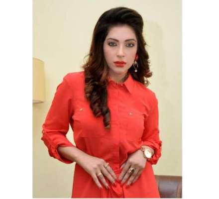 الفلاح تھیٹر لاہورمیں ماہ نور کی ڈانس آئٹم کی دھوم