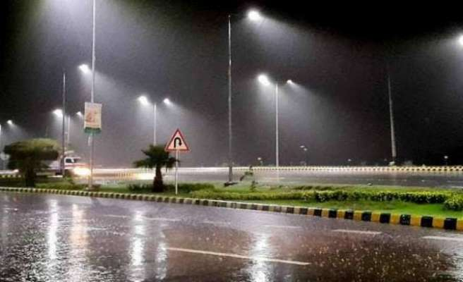 اسلام آباد سمیت ملک کے مختلف بالائی علاقوں میں آندھی اور گرج چمک ..