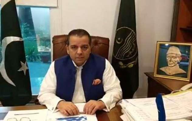 وزیر تعلیم پنجاب مراد راس نے اسکول مزید بند رکھنے کی مخالفت کردی