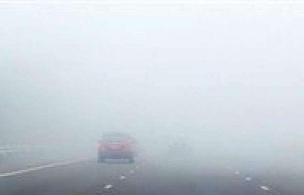 بہاولنگر اور گردونواح میں دوسرے روز بھی دھند کا راج شہر بھر میں حد نظر ..