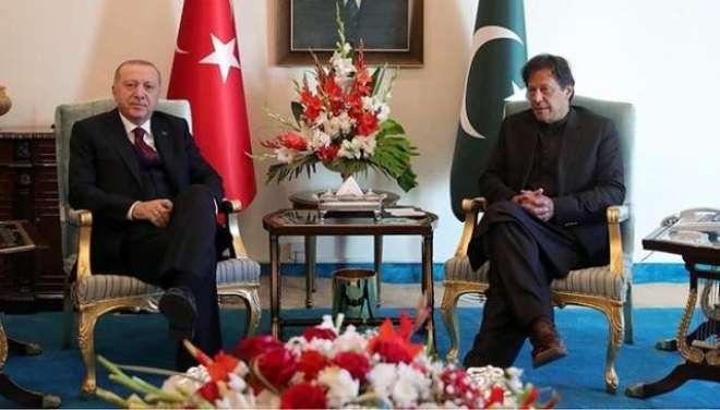 ترک صدر کے دورے کے دوران آرمی چیف اور عمران خان اکٹھے نظر کیوں نہ آئے؟