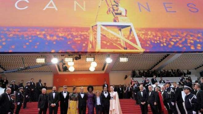 فلم''پیراسائٹ'' آسکر ایوارڈز میں نامزد ہونے والی جنوبی کوریا کی ..