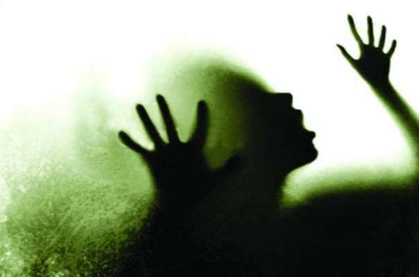 فیصل آباد میں اوباش نوجوان نے رشتہ سے انکار کرنے پر بہن کی مدد سے 2 ..