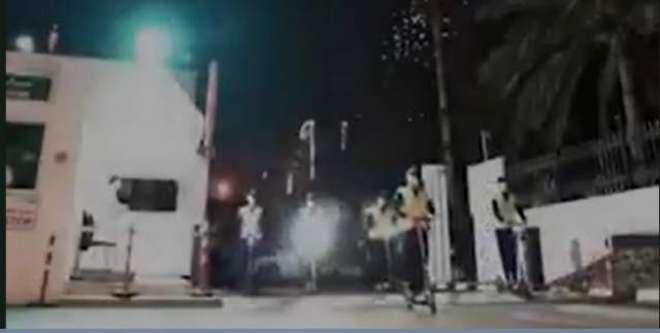 دُبئی پولیس نےسکوٹرز کے ذریعے گلی محلوں میں کرفیو کی نگرانی شروع کر ..