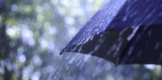 کراچی اور مضافات میں موسم سرما کی پہلی بارش نے موسم کو بھی یکسر بدل ..