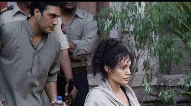 عدنان صدیقی نے انجلینا جولی کی ساتھ اپنی تصویر شیئر کردی