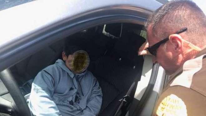 پولیس نے لمبورگینی خریدنے کے لیے جانے والے پانچ سالہ بچے کو کار سے نیچے ..