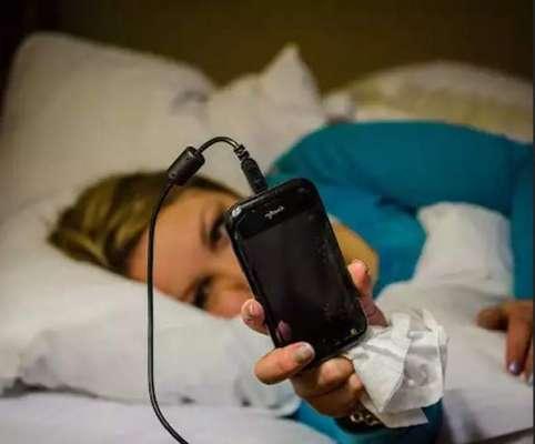 تھائی لینڈ،چارجنگ کے دوران موبائل فون کا استعمال لڑکی کی جان لے گیا