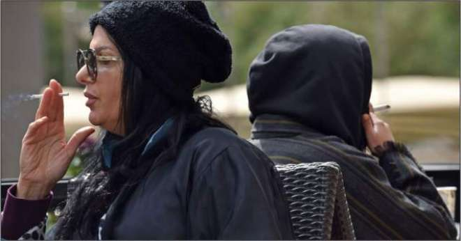 سعودی عرب میں خواتین کو سگریٹ نوشی کی اجازت مل گئی