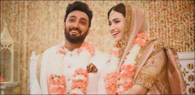 معروف اداکارہ ثنا جاوید اور گلوکار عمیر جسوال نے شادی کرلی