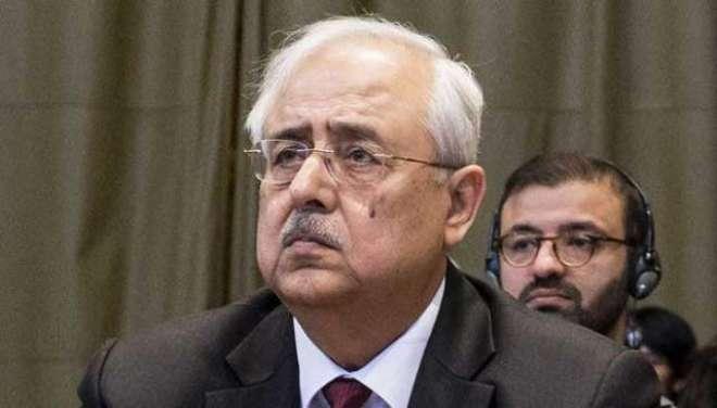 سابق اٹارنی جنرل انور منصور کو ہٹوانے میں بیرسٹر فروغ نسیم اور شہزاد ..