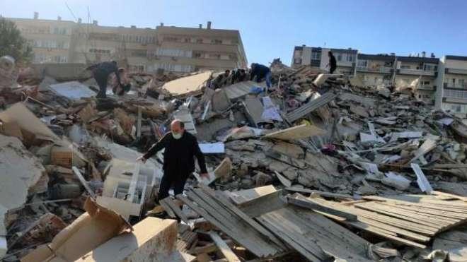 ترکی میں زلزلے کے شدید جھٹکے، کئی بلند و بالا عمارتیں گر گئیں