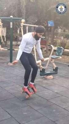 نوجوان نے  سکیٹنگ شوز پہن کر 30 سیکنڈ میں 147 مرتبہ رسی کود کر عالمی ریکارڈ ..