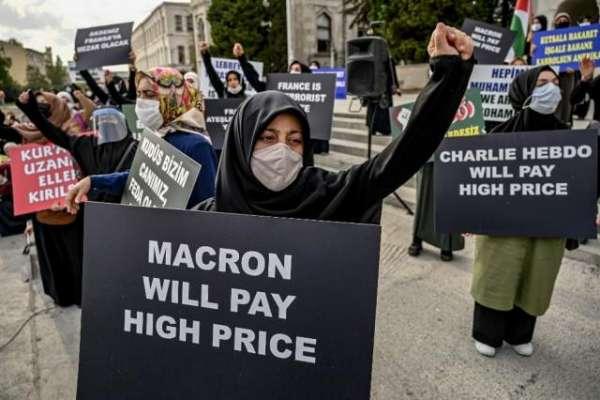 مصنوعات کے بائیکاٹ کو فوری طور پر روکا جائے، فرانس کی منت سماجت