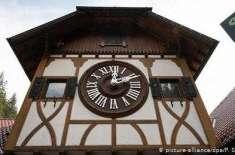 جرمن علاقے بلیک فاریسٹ میں دنیا کا سب سے بڑا کُکُو کلاک