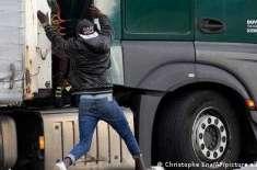 ٹرکوں سے چھلانگ لگا کر، برطانیہ پہنچنے کی کوشش: تارکین وطن کا کیا بنے ..