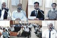 ڈسٹرکٹ بار جہلم میں میاں ظہور اختر ایڈووکیٹ مر حوم کیلئے تعزیتی اجلاس