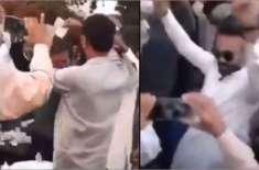 خاور مانیکا کے بیٹے کی شادی کی خوشی میں تقریب، خاور مانیکا کا دھمال